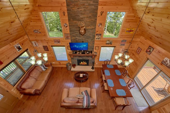 2 Story Cabin with FIreplace and Sleeper Sofa - Charming Charlie's Cabin