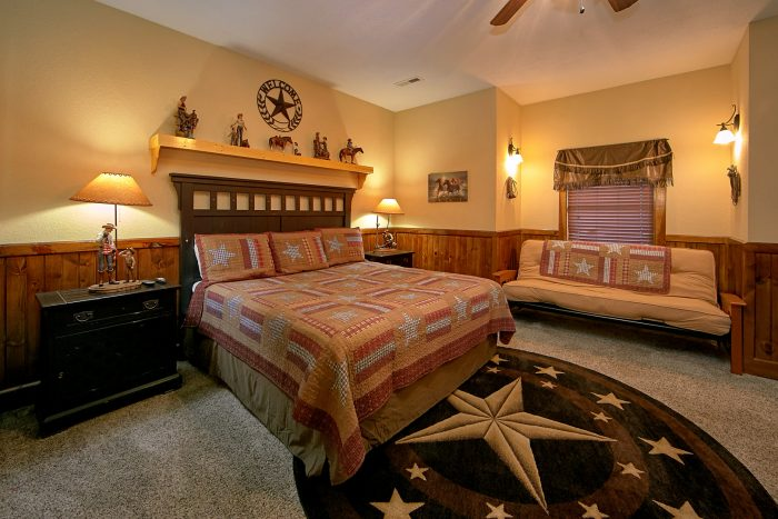 Private King Bedroom with bath in Luxury Cabin - Alpine Mountain Lodge