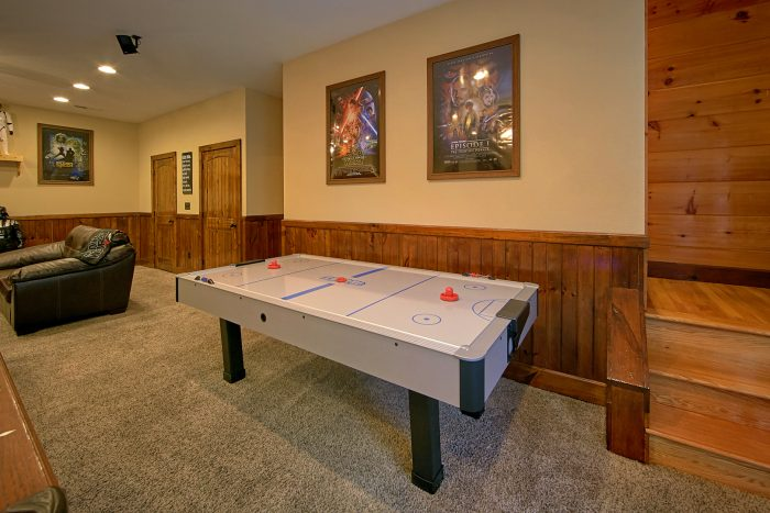 Premium Cabin with Game Room and Air Hockey - Chateau Relaxeau