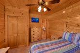 Beautiful 3 Bedroom Cabin Sleeps 7