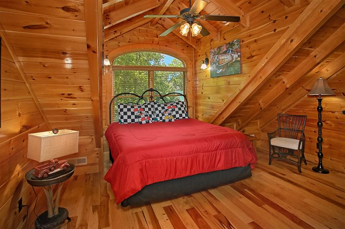 6 Bedroom Cabin with 4 King Beds and Baths - C'Mon Inn