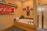 Luxury Rental Cabin with 3 Private Jacuzzi Tubs