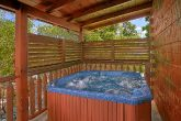 Luxury 6 Bedroom Cabin with Hot Tub on deck
