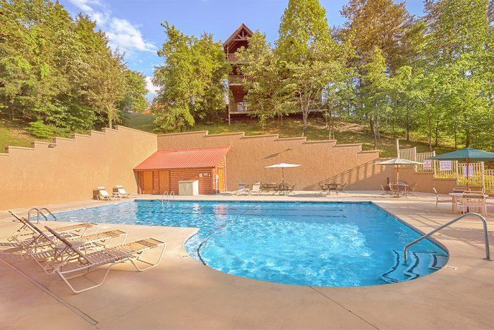 6 Bedroom Cabin with 2 Resort Swimming Pools - C'Mon Inn