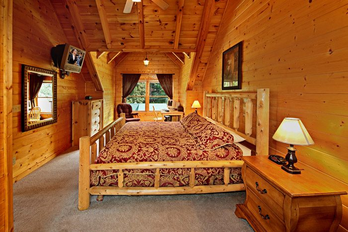 Cabin with Spacious King Suite - Cool Like Jazz