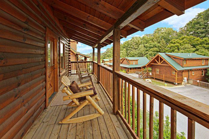 Pigeon Forge Cabin in Blackberry Ridge Resort - Cool Like Jazz