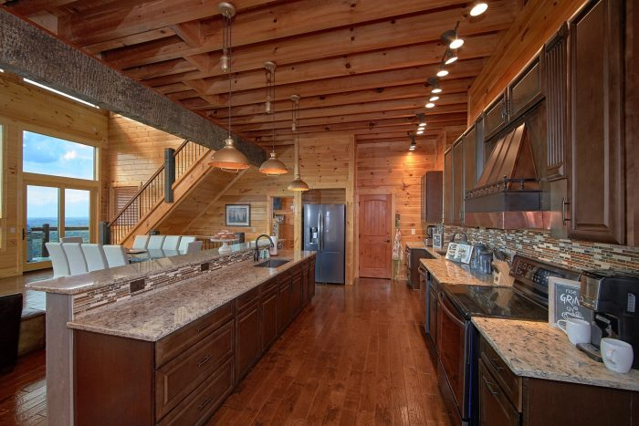 ... Luxurious Kitchen With Bar And Bench Seating   Copper Ridge Lodge ...