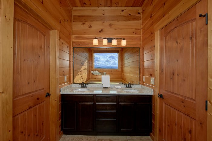 Premium Cabin with 6 Private Master Bathrooms - Copper Ridge Lodge