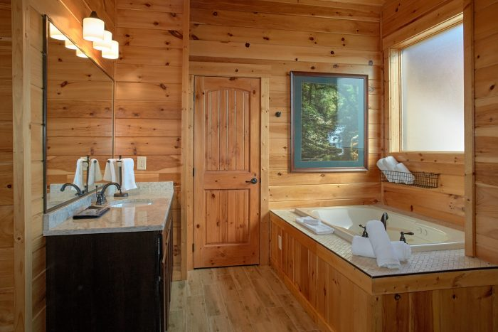 6 Bedroom Cabin with 6 Jacuzzi Tubs - Copper Ridge Lodge