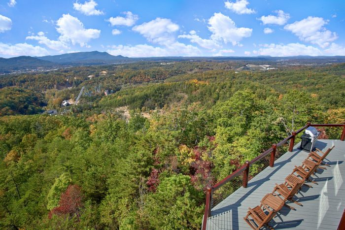 Luxurious Cabin with View of the Smoky Mountains - Copper Ridge Lodge
