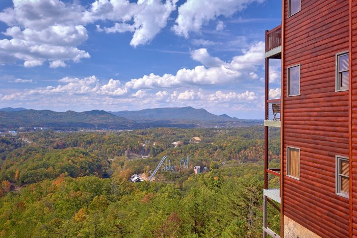Cabin with Views of Pigeon Forge and Gatlinburg - Copper Ridge Lodge