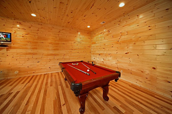 Cabin with Pool Table in Game Room - Could Not Ask For More