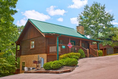 Apple Dumpling Gang: 2 Bedroom Pigeon Forge Vacation Home Rental
