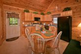 2 bedroom cabin with kitchen and hot tub