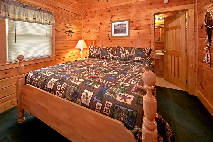 Cabin with queen bedroom and bath - Country Comfort