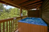 Cabin with hot tub and resort swimming pool