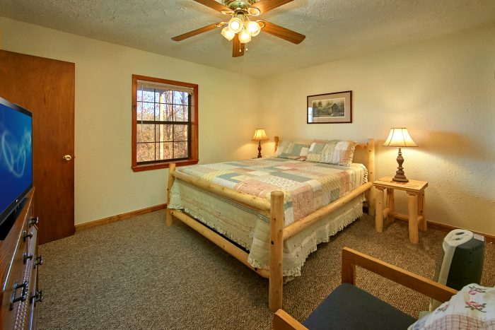 Rustic 6 Bedroom Cabin in Pigeon Forge - Country Oaks Lodge
