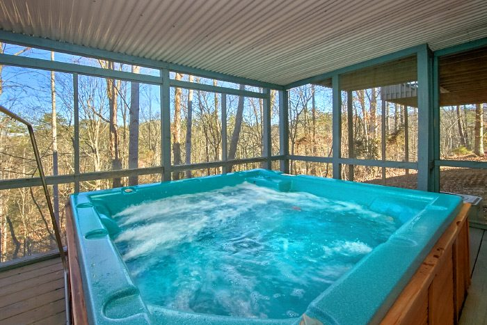 6 Bedroom Cabin in Pigeon Forge with Hot Tub - Country Oaks Lodge