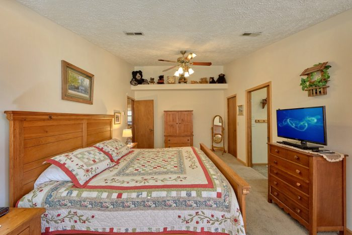 Spacious 3 Bedroom with Large Master Bedroom - Creekside Cottage