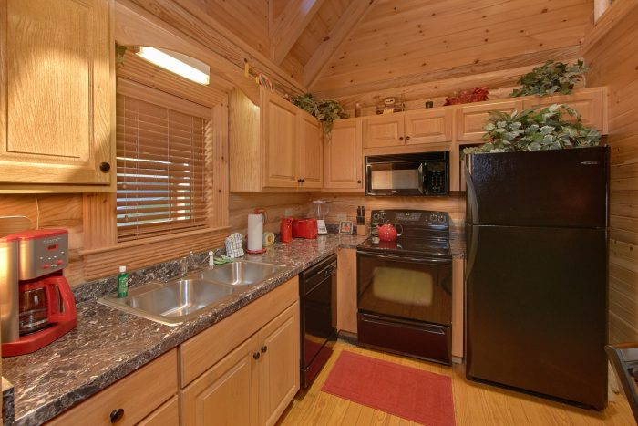 Premium 2 Bedroom Cabin with Full Kitchen - Creekside Hideaway