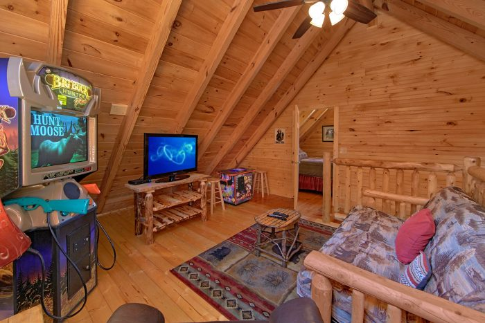 Luxurious Cabin with Private Hot Tub and View - Creekside Hideaway