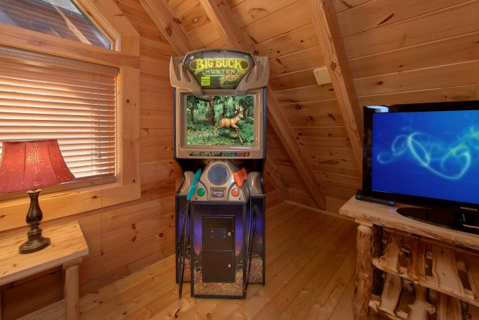 Premium Cabin with Arcade Game in Loft Game Room - Creekside Hideaway