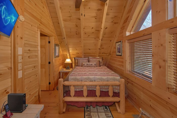 Honeymoon Cabin with Porch Swing and Resort Pool - Creekside Hideaway