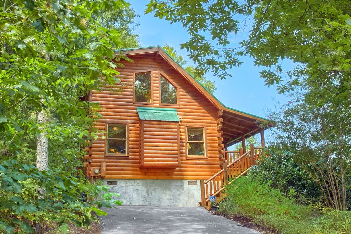 Private 1 Bedroom Cabin with Wooded Views - Crimson Moon
