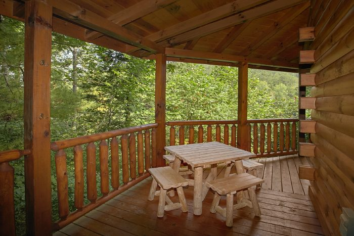 Premium 1 Bedroom Cabin with Furnished Deck - Crimson Moon