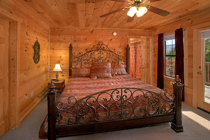 5 Bedroom Cabin with Luxurious King Bedroom - Crown Jewel