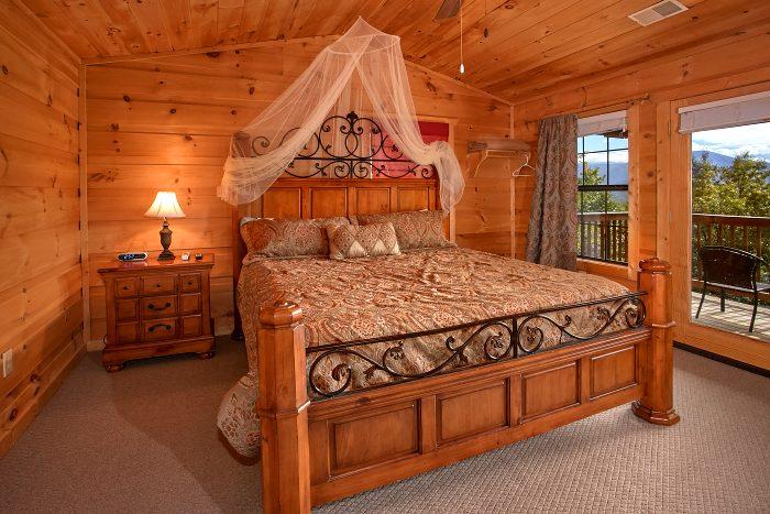Spacious 5 Bedroom Cabin with King Bedrooms - Crown Jewel