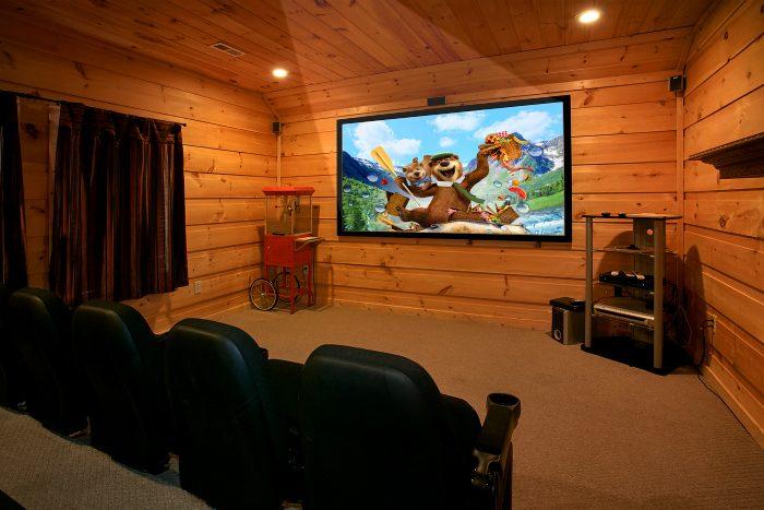 Luxury 5 Bedroom Cabin with Theater Room - Crown Jewel