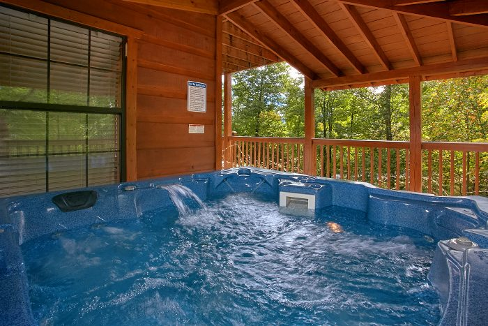 Secluded 5 Bedroom Cabin with Hot Tub and Views - Crown Jewel