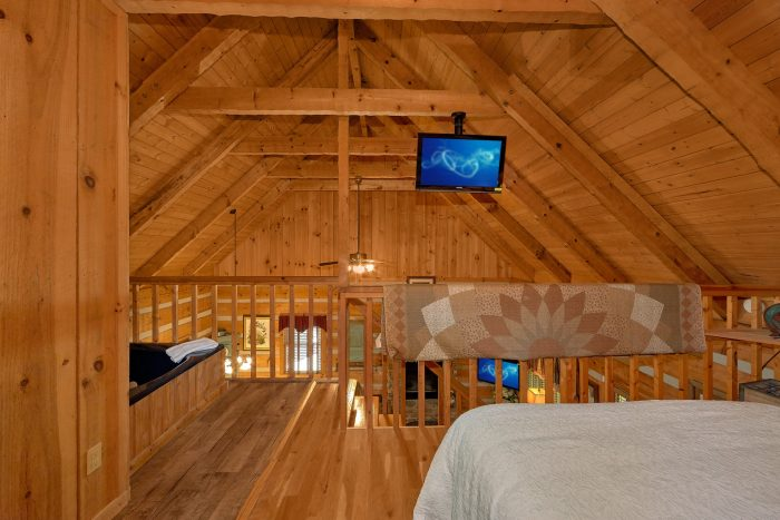 1 Bedroom Cabin with a jacuzzi tub - Cuddle Creek Cabin