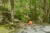 1 Bedroom Cabin with an outdoor fire pit