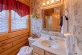 Cabin with King Bed, Jacuzzi, and Full Bathroom