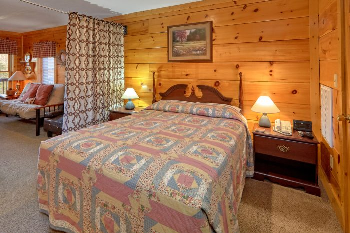 Affordable 2 Bedroom Cabin with Queen Bed - Dainty's Digs