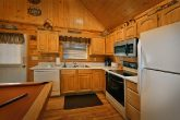 1 Level Pigeon Forge Cabin with Stocked Kitchen