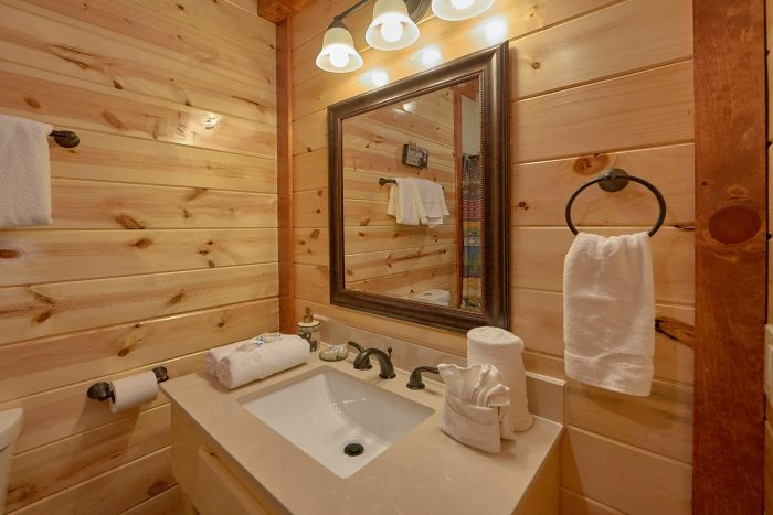 5 Bedroom Pool Cabin with 5 Private Bathrooms - Dive Inn