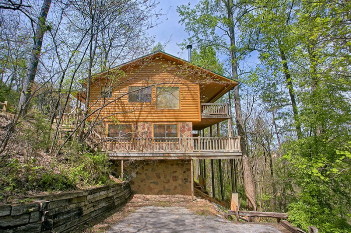 Dogwood retreat 4 bedroom luxury cabin in pigeon forge for Dogwood cabin