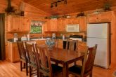 4 Bedroom Cabin with Dining Room and Kitchen