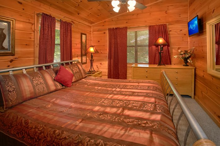 4 Bedroom Cabin with Private King Bedrooms - Dogwood Retreat