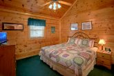 5 Bedroom Cabin with King Bedroom and Bath
