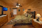 Luxury Cabin with 4 King Beds and Private Baths