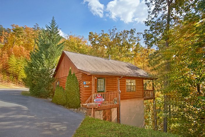 Cabin Photos. Hidden Springs Pet Friendly Cabin Pigeon Forge TN