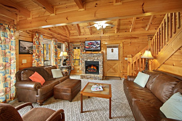 Living Room with Fireplace - Duck Inn Lodge
