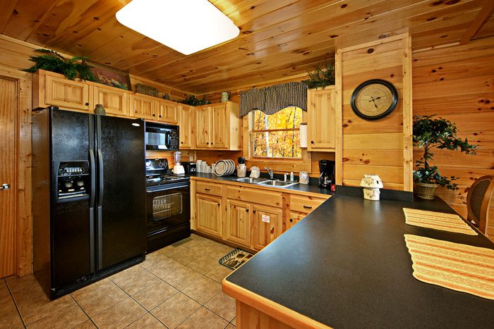 Cabin with Fully Furnished Kitchen - Duck Inn Lodge