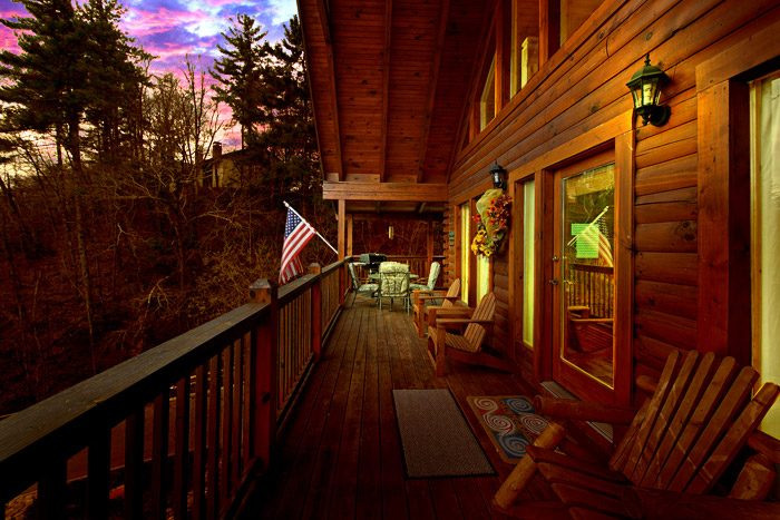 Cabin with Deck - Duck Inn Lodge