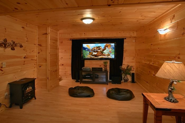 Premium 2 Bedroom Cabin with Theater Room - Eagle's Crest