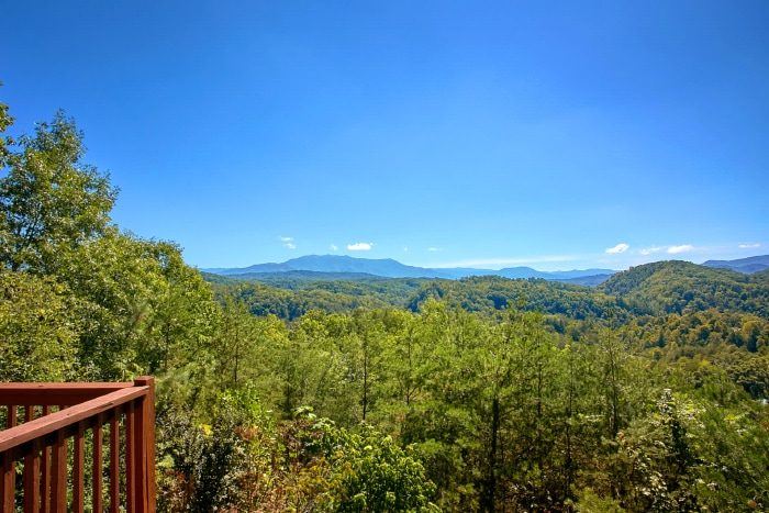 Luxury Cabin with Views of the Smoky mountains - Eagle's Crest